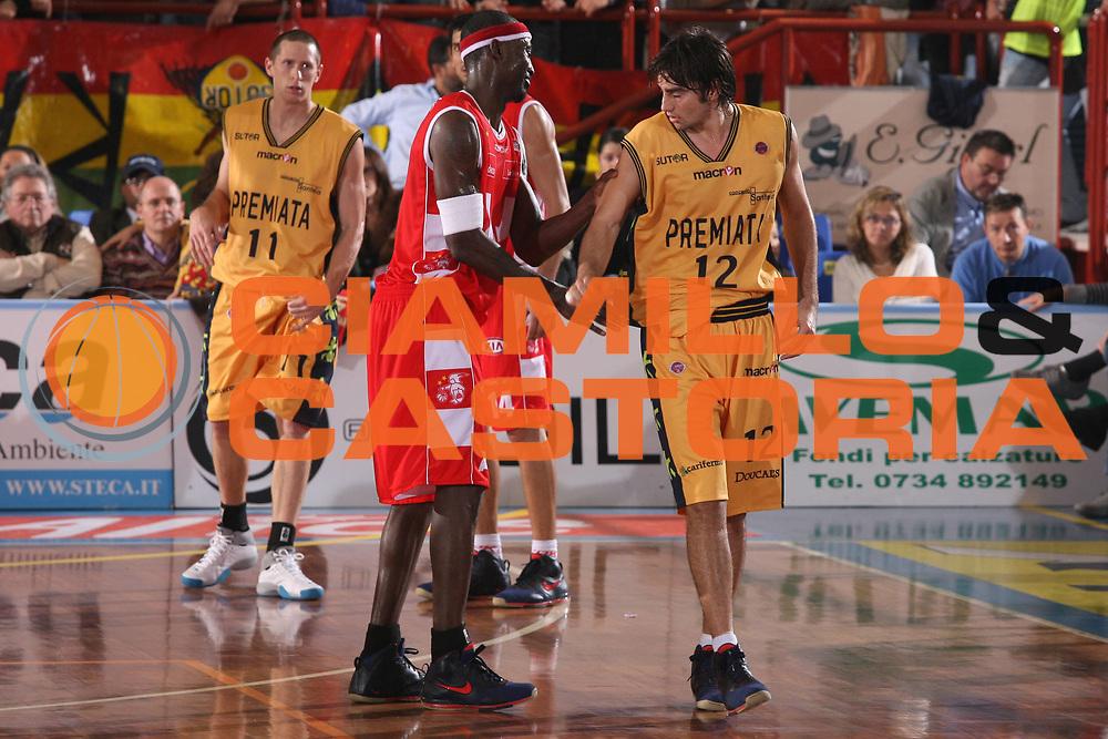 DESCRIZIONE : Porto San Giorgio Lega A1 2007-08 Premiata Montegranaro Armani Jeans Milano <br /> GIOCATORE : Ansu Sesay <br /> SQUADRA : Armani Jeans Milano <br /> EVENTO : Campionato Lega A1 2007-2008 <br /> GARA : Premiata Montegranaro Armani Jeans Milano <br /> DATA : 04/11/2007 <br /> CATEGORIA : Delusione <br /> SPORT : Pallacanestro <br /> AUTORE : Agenzia Ciamillo-Castoria/G.Ciamillo