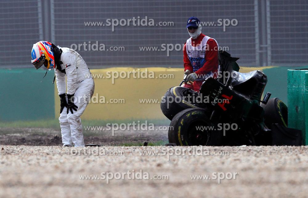 20.03.2016, Albert Park Circuit, Melbourne, AUS, FIA, Formel 1, Grand Prix von Australien, Rennen, im Bild Race retiree Fernando Alonso (ESP) McLaren MP4-31 after his crash, unfalll // during Race for the FIA Formula One Grand Prix of Australia at the Albert Park Circuit in Melbourne, Australia on 2016/03/20. EXPA Pictures &copy; 2016, PhotoCredit: EXPA/ Sutton Images/ Gasperotti/<br /> <br /> *****ATTENTION - for AUT, SLO, CRO, SRB, BIH, MAZ only*****