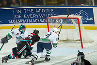 KELOWNA, CANADA - OCTOBER 10:  Ryan Bowen #17 of the Kelowna Rockets misses a rebound shot on Liam Hughes #30 of the Seattle Thunderbirds on October 10, 2018 at Prospera Place in Kelowna, British Columbia, Canada.  (Photo by Marissa Baecker/Shoot the Breeze)  *** Local Caption ***