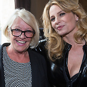 """NLD/Amsterdam/20130613 - Presentatie erotische triller """" Kamer 303 """" van Claudia Schoemacher - van Zweden, met haar moeder Cobeline van Zweden"""