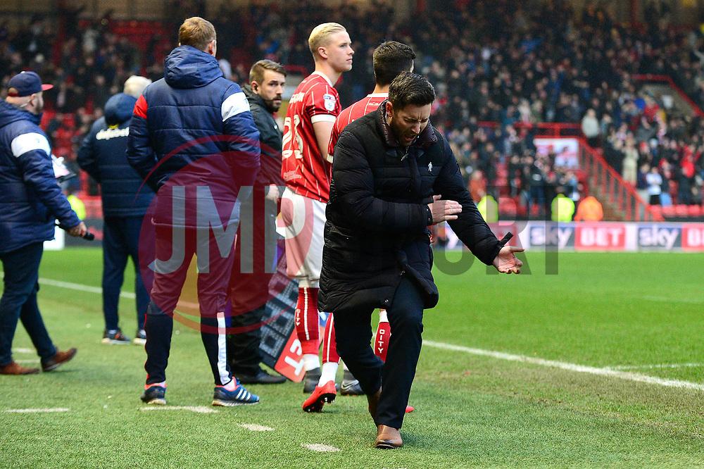 Bristol City head coach Lee Johnson cuts a frustrated figure - Mandatory by-line: Dougie Allward/JMP - 10/02/2018 - FOOTBALL - Ashton Gate Stadium - Bristol, England - Bristol City v Sunderland - Sky Bet Championship