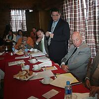 Toluca, Mex.- Jose Alfredo Murat Macias(izq), subsecretario de Educacion Media Superior y Superior, y  Peter Homberg (der), presidente del Consejo Coordinador Empresarial Mexiquese (CCEM) en conferencia de prensa con empresarios donde se hablo acerca de la necesidad de los planteles con bajo presupuesto en el valle de Toluca. Agencia MVT / Javier Rodriguez. (DIGITAL)<br /> <br /> <br /> <br /> NO ARCHIVAR - NO ARCHIVE