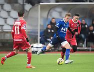 FODBOLD: Markus Bay (Fremad Amager) følges af Pascal Gregor (FC Helsingør) under træningskampen mellem Fremad Amager og FC Helsingør den 2. februar 2019 i Sundby Idrætspark. Foto: Claus Birch