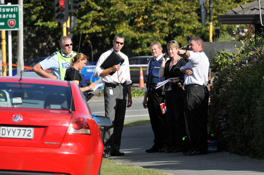 The scene in Hoonhay Road where a knife armed offender was shot by Police, Christchurch, New Zealand, Thursday, March 15, 2012. Credit :  SNPA / David Alexander