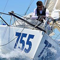 /// SUNLIGHT ISLANDS' CUP ///<br /> Après son podium sur la 222 Mini Solo en mer de Ligure en mai dernier, et après avoir bouclé début juillet son parcours de qualification de 1000 miles en solitaire pour la Mini Transat, Melchior Treillet est de retour pour de nouvelles aventures. En l'occurrence, et alors qu'il peaufine la préparation de son Boulègue 755 pour la Mini Transat 2017, le jeune sociétaire de La Nautique a hissé les voiles ce 13 juillet pour un entrainement entre les îles du Frioul et le phare du Planier : par 30 nœuds de mistral, et avec deux ris pris sur la grand-voile, Melchior a tiré de longs bords au près et au portant, envoyé le spi jusqu'à sortir la quille de l'eau, et surfé sur les crêtes blanchies d'écume. <br /> Ce run du 13 juillet prépare un autre feu d'artifice, puisque Melchior s'alignera avant la fin du mois sur le parcours de la Sunlight Islands' Cup, dont il ouvrira à cette occasion le record pour la classe des mini 6.50. A coup sûr d'autres belles images à venir...<br /> Pilote yannick long<br /> texte Gilles Sagot // Antoine Beysens