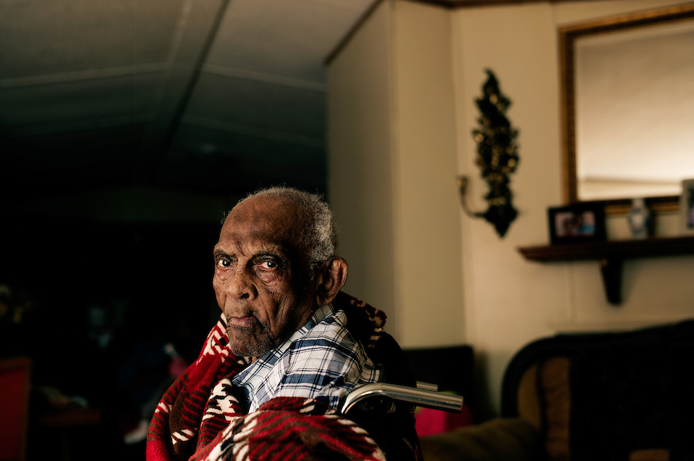 PINE HILL, AL – DECEMBER 18, 2013: <br /> Chocolate Blount, 91, was discharged from hospice care after his health improved. Recently, he was enrolled again and receives home visits and check-ups three times each week. (Photo by Bob Miller/For The Washington Post)