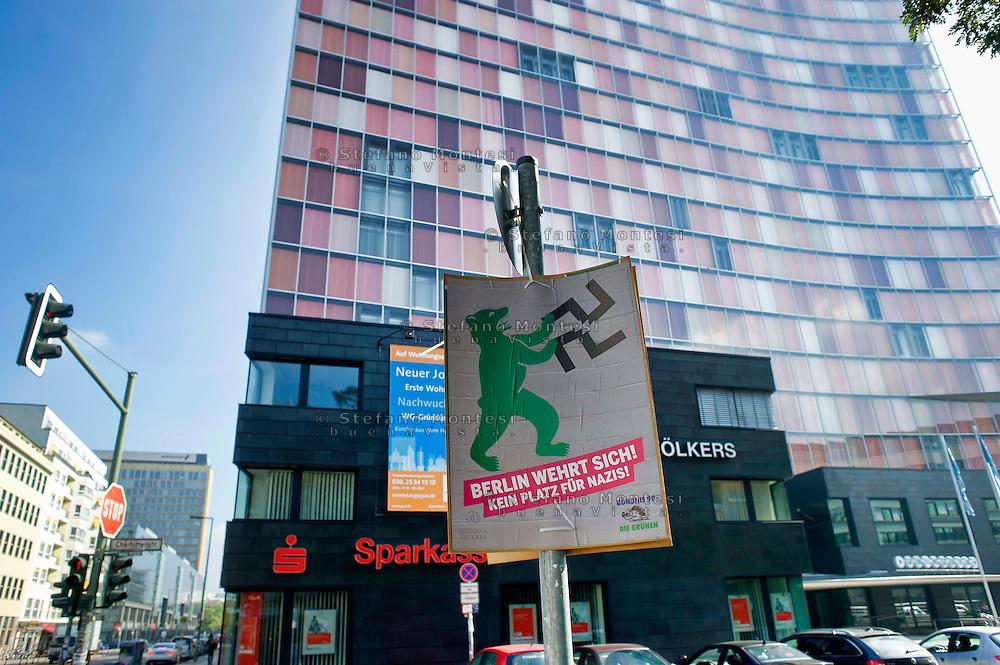 Berlino 14  Settembre 2013<br /> Un manifesto del Partito dei Verdi contro i nazisti<br /> A poster  of the Alliance '90/The Greens against the Nazis