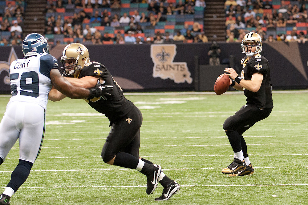 21 November 2010: New Orleans Saints quarterback Drew Brees (9) throws a pass to New Orleans Saints wide receiver Marques Colston (12) during the second half of the game. New Orleans Saints defeated Seattle Seahawks 34-19.