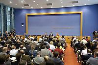 05 JUL 2005, BERLIN/GERMANY:<br /> Uebersicht, Pressekonferenz zur Vorstellung des SPD Wahlmanifests, mit Franz Muentefering, SPD Parteivorsitzender, und Gerhard Schroeder, SPD, Bundeskanzler, Bundespressekonferenz <br /> IMAGE: 20050705-01-015<br /> KEYWORDS: BPK, Franz Müntefering, Gerhard Schröder, Übersicht