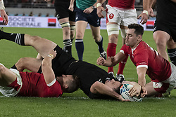 November 1, 2019, Tokyo, Japan: New Zealand's Ben Smith scores a try during the Rugby World Cup 2019 Bronze Final between New Zealand and Wales at Tokyo Stadium. New Zealand defeats Wales 40-17. (Credit Image: © Rodrigo Reyes Marin/ZUMA Wire)