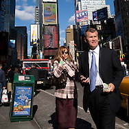 New York. Times square. people   in the street /  passants, Times square scenes de rue,   New york - Etats unis