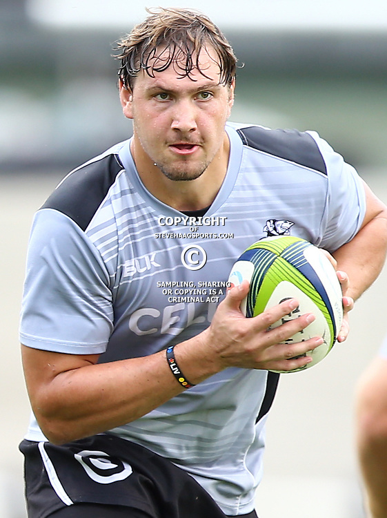 DURBAN, SOUTH AFRICA -  Etienne Oosthuizen during the Cell C Sharks training session at Growthpoint Kings Par in Durban, South Africa. (Photo by Steve Haag)