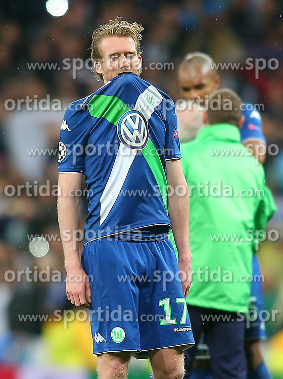 12.04.2016, Estadio Santiago Bernabeu, Madrid, ESP, UEFA CL, Real Madrid vs VfL Wolfsburg, Viertelfinale, Rueckspiel, im Bild WfL Wolfsburg's Andre Schurke dejected // during the UEFA Champions League Quaterfinal, 2nd Leg match between Real Madrid and VfL Wolfsburg at the Estadio Santiago Bernabeu in Madrid, Spain on 2016/04/12. EXPA Pictures &copy; 2016, PhotoCredit: EXPA/ Alterphotos/ Acero<br /> <br /> *****ATTENTION - OUT of ESP, SUI*****