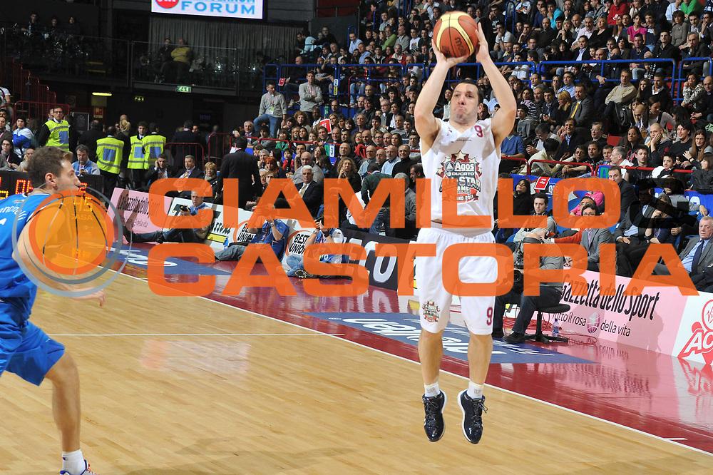 DESCRIZIONE : Milano Agos Ducato All Star Game 2011<br /> GIOCATORE : Nicolas Mazzarino <br /> SQUADRA : Italia Nazionale Maschile All Star Team<br /> EVENTO : All Star Game 2011<br /> GARA : Italia All Star Team<br /> DATA : 13/03/2011<br /> CATEGORIA : Tiro three Points<br /> SPORT : Pallacanestro<br /> AUTORE : Agenzia Ciamillo-Castoria/M.Gregolin<br /> Galleria : FIP Nazionali 2011<br /> Fotonotizia :  Milano Agos Ducato All Star Game 2011<br /> Predefinita :