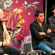 NLD/Amsterdam/20130116 - Vragenvuur kinderen tijdens Kidscollege 2013, astronaut Andre Kuipers en zanger Jan Smit