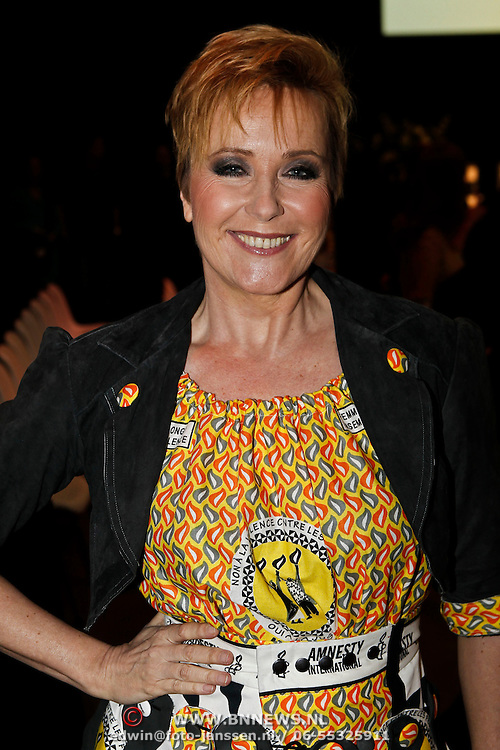 NLD/Amsterdam/20100306 - Women Inc. Festival 2010, modeshow voor Amnesty International, inge Iepenburg