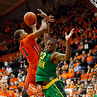 Oregon State's Gary Payton II, left, shoots over Oregon's Elgin Cook in the second half of an NCAA college basketball game, in Corvallis, Ore., on Sunday, Jan. 3, 2016. Oregon State won 70-57. (AP Photo/Timothy J. Gonzalez)