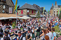 France, Cher (18), Sologne, Aubigny sur Nère, ville des Stuart, fêtes Franco Ecossaise qui célèbre les amitiés de la ville avec l'Ecosse, route Jacques Coeur // France, Cher (18), Sologne, Aubigny-sur-Nere, the Jacques Coeur road, City of Stuart, the Franco-Scottish festival