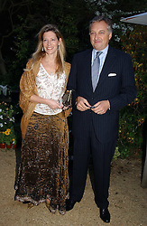 COUNT & COUNTESS EDMONDO di ROBILANT  at the annual Cartier Flower Show Diner held at The Physics Garden, Chelsea, London on 23rd May 2005.<br /><br />NON EXCLUSIVE - WORLD RIGHTS