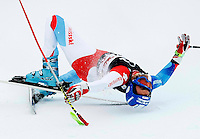 Cornel Zueger of Switzerland crashes in the men's World Cup Super-G ski race in Beaver Creek, Colorado December 6, 2008. REUTERS/Rick Wilking (UNITED STATES)