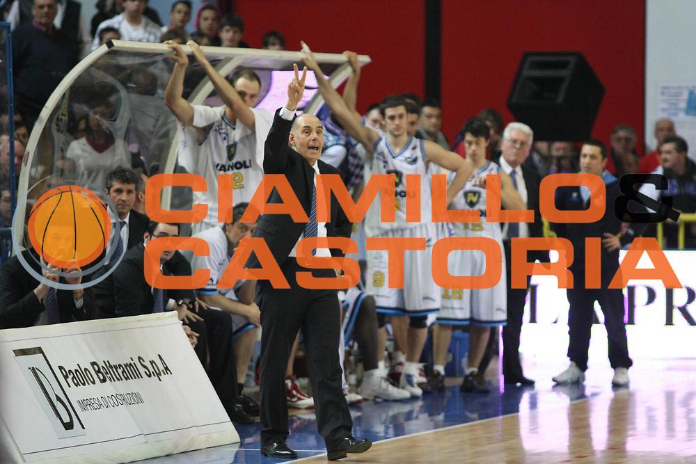 DESCRIZIONE : Cremona Lega A 2009-10 Vanoli Cremona Scavolini Spar Pesaro<br />GIOCATORE : Attilio Caja Coach<br />SQUADRA : Vanoli Cremona<br />EVENTO : Campionato Lega A 2009-2010<br />GARA : Vanoli Cremona  Scavolini Spar Pesaro<br />DATA : 03/04/2010<br />CATEGORIA : Coach<br />SPORT : Pallacanestro<br />AUTORE : Agenzia Ciamillo-Castoria/F.Zovadelli<br />GALLERA : Lega Basket A 2009-2010<br />FOTONOTIZIA : Cremona Campionato Italiano Lega A 2009-2010 Vanoli Cremona  Scavolini Spar Pesaro