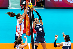 16-10-2018 JPN: World Championship Volleyball Women day 17, Nagoya<br /> Netherlands - China 1-3 / Anne Buijs #11 of Netherlands, Xia Ding #16 of China