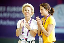 Leyen, Ursula von der (GER);<br /> Ehning, Nadja (GER)<br /> , <br /> Aachen - Europameisterschaften 2015<br /> Voltigieren Finale Kür Herren<br /> © www.sportfotos-lafrentz.de/Stefan Lafrentz