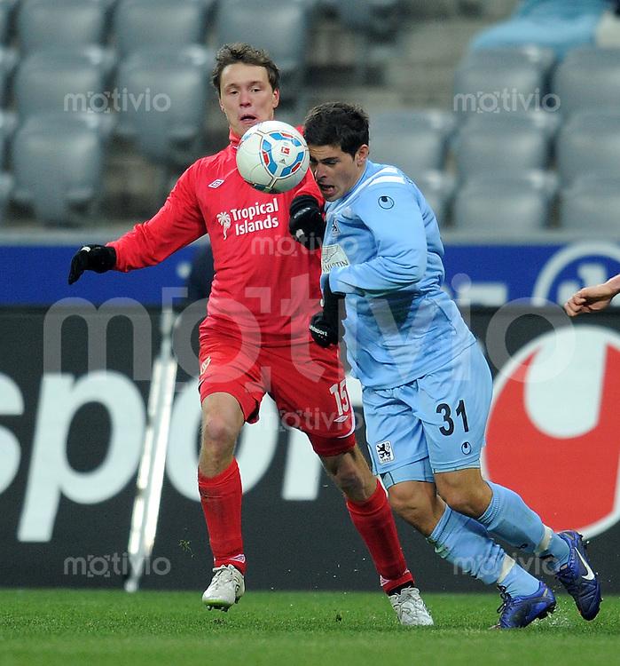 Fussball 2. Bundesliga:  Saison   2011/2012,    20.  Spieltag  TSV 1860 Muenchen - Energie Cottbus  06.02.2012 Alexander Bittroff (li, Cottbus)  gegen Kevin Volland (1860 Muenchen)