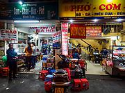 26 DECEMBER 2017 - HANOI, VIETNAM: Restaurants in Hanoi.      PHOTO BY JACK KURTZ