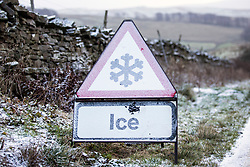 © Licensed to London News Pictures. 29/11/2017. Hawes UK. Drivers faced tricky driving conditions this morning in the Yorkshire Dales as over night ice set on roads.  Photo credit: Andrew McCaren/LNP