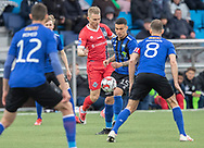 FODBOLD: Anders Holst (FC Helsingør) presses af Liam Jordan (HB Køge) under kampen i NordicBet Ligaen mellem HB Køge og FC Helsingør den 8. maj 2019 på Capelli Sport Stadion, Køge Idrætspark. Foto: Claus Birch