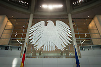 17 OCT 2013, BERLIN/GERMANY:<br /> Bundesadler, Plenum, Deutscher Bundestag<br /> IMAGE: 20131017-01-003<br /> KEYWORDS: Plenarsaal