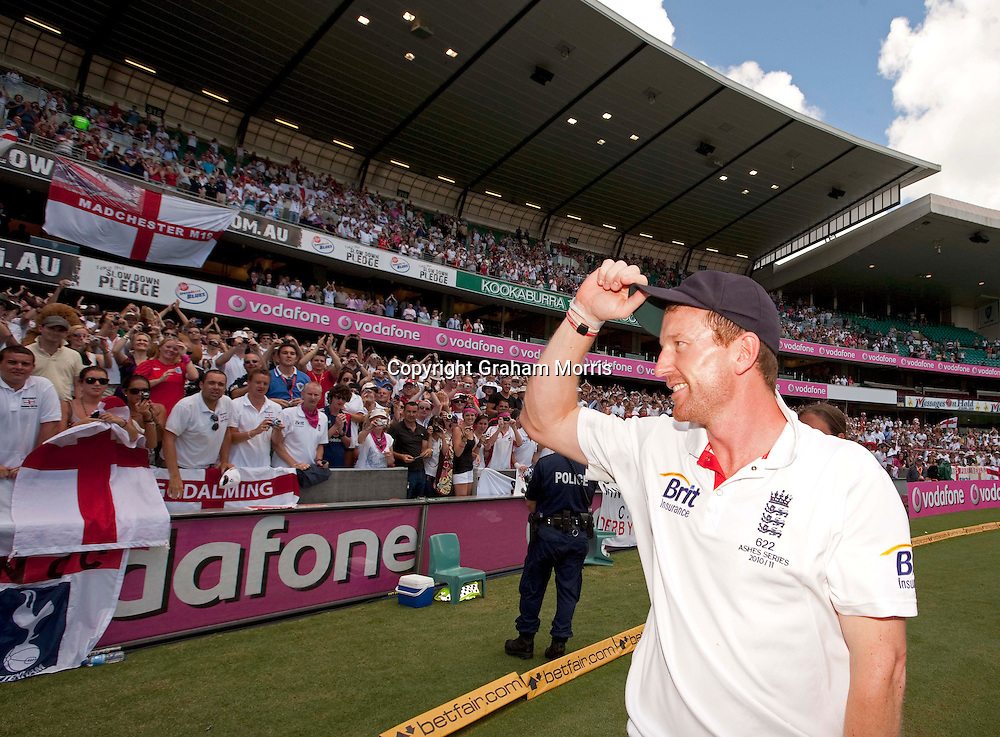 Retiring Paul Collingwood raises his cap to the crowd as England celebrate retaining the Ashes after beating Australia in the fifth and final Test match at the SCG in Sydney to win the series 3-1. Photo: Graham Morris (Tel: +44(0)20 8969 4192 Email: sales@cricketpix.com) 07/01/11