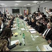Tavolo tra Governo, FIAT, sindacati ed enti locali per discutere del futuro degli investimenti del Lingotto, dopo la decisione di trasferire la produzione della monovolume in Serbia, nella sala Giunta regionale in Piazza Castello a Torino.