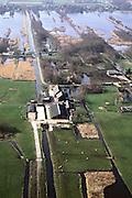 Nederland, Utrecht, Maarssenveensche Plassen, 08-03-2002; de verkaveling van het land in de Molenpolder is onstaan door vervening; slootjes dienen voor ontwatering / waterhuishouding;  polderlandschap veenweidegebied veen infrastructuur landschap landbouw boederij recreatie water waterbeheer molen weides;<br /> luchtfoto (toeslag), aerial photo (additional fee)<br /> photo/foto Siebe Swart