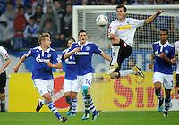 FUSSBALL   1. BUNDESLIGA   SAISON 2011/2012    4. SPIELTAG FC Schalke 04 - Borussia Moenchengladbach             28.08.2011 Lewis HOLTBY (li, Schalke) gegen Havard NORDTVEIT (re, Mgladbach)