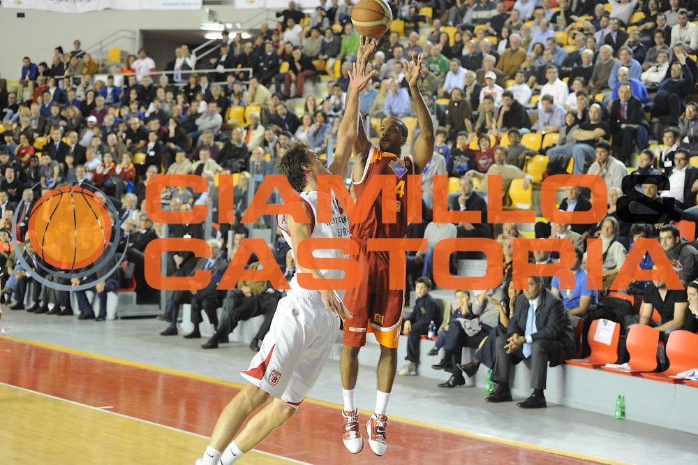 DESCRIZIONE : Roma Lega Basket A 2011-12  Acea Virtus Roma Banca Tercas Teramo<br /> GIOCATORE : Clay Tucker<br /> CATEGORIA : three points<br /> SQUADRA : Acea Virtus Roma<br /> EVENTO : Campionato Lega A 2011-2012 <br /> GARA : Acea Virtus Roma Banca Tercas Teramo<br /> DATA : 16/04/2012<br /> SPORT : Pallacanestro  <br /> AUTORE : Agenzia Ciamillo-Castoria/GiulioCiamillo<br /> Galleria : Lega Basket A 2011-2012  <br /> Fotonotizia : Roma Lega Basket A 2011-12 Acea Virtus Roma Banca Tercas Teramo<br /> Predefinita :