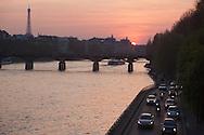 France. Paris. 1st district. expressway on the quay du Louvre on  the seine river /   le quai du Louvre au bord de la Seine