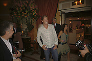 Rob Hersov, launch of The Bar at the Dorchester. Park Lane. London. 27 June 2006. ONE TIME USE ONLY - DO NOT ARCHIVE  © Copyright Photograph by Dafydd Jones 66 Stockwell Park Rd. London SW9 0DA Tel 020 7733 0108 www.dafjones.com