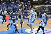 DESCRIZIONE : Desio Lega A 2014-15 Vitasnella Cantù Vanoli Cremona<br /> GIOCATORE : Abass Awudu<br /> CATEGORIA : Tiro Penetrazione atletica <br /> SQUADRA : Vitasnella Cantù<br /> EVENTO : Campionato Lega A 2014-2015<br /> GARA : Vitasnella Cantù Vanoli Cremona<br /> DATA : 20/04/2015<br /> SPORT : Pallacanestro<br /> AUTORE : Agenzia Ciamillo-Castoria/M.Ozbot<br /> Galleria : Lega Basket A 2014-2015 <br /> Fotonotizia: Desio Lega A 2014-15 Vitasnella Cantù Vanoli Cremona