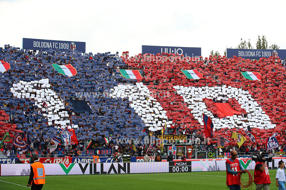 "Foto Filippo Rubin<br /> 06/10/2019 Bologna (Italia)<br /> Sport Calcio<br /> Bologna - Lazio - Campionato di calcio Serie A 2019/2020 - Stadio ""Renato Dall'Ara""<br /> Nella foto: I TIFOSI DEL BOLOGNA<br /> <br /> Photo by Filippo Rubin<br /> October 06, 2019 Ferrara (Italy)<br /> Sport Soccer<br /> Bologna vs Lazio - Italian Football Championship League A 2019/2020 - ""Dall'Ara"" Stadium <br /> In the pic: BOLOGNA FC SUPPORTERS"