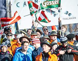 28.12.2013, Hochstein, Lienz, AUT, FIS Weltcup Ski Alpin, Lienz, Riesentorlauf, Damen, 1. Durchgang, im Bild Fans // during the 1st run of ladies giant slalom Lienz FIS Ski Alpine World Cup at Hochstein in Lienz, Austria on 2013-12-28, EXPA Pictures © 2013 PhotoCredit: EXPA/ Michael Gruber