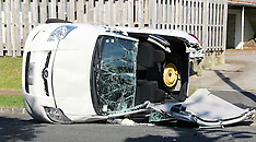 Auckland-Car rolls on 5th Avenue trapping occupant, Mt Albert