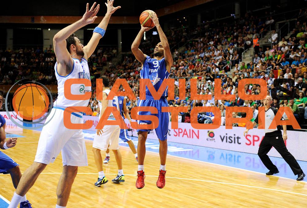 DESCRIZIONE : Siauliai Lithuania Lituania Eurobasket Men 2011 Preliminary Round Italia Francia Italy France<br /> GIOCATORE : Tony Parker<br /> SQUADRA : Francia France<br /> EVENTO : Eurobasket Men 2011<br /> GARA : Italia Francia Italy France<br /> DATA : 04/09/2011 <br /> CATEGORIA : tiro<br /> SPORT : Pallacanestro <br /> AUTORE : Agenzia Ciamillo-Castoria/JF Molliere<br /> Galleria : Eurobasket Men 2011 <br /> Fotonotizia : Siauliai Lithuania Lituania Eurobasket Men 2011 Preliminary Round Italia Francia Italy France<br /> Predefinita :