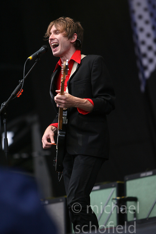 Alex Kapranos, of Franz Ferdinand, on the main stage at T in the Park, Saturday 2006..©Michael Schofield..