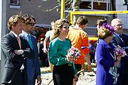Koninginnedag 2012 in de Utrechtse gemeente Veenendaal. / Queensday 2012 in the city of Veenendaal.<br /> <br /> Op de foto: o.a. Prins Bernhard en Prinses Annette met Prinses Margriet en mr. Pieter van Vollenhoven