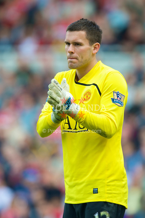 MIDDLESBROUGH, ENGLAND - Saturday, May 2, 2009: Manchester United's goalkeeper Ben Foster in action against Middlesbrough during the Premiership match at the Riverside Stadium. (Pic by David Rawcliffe/Propaganda)