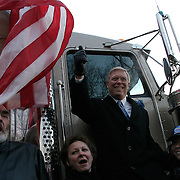 Rep. Richard Gephardt (D-MO) campaigns  with union members to kick-off caucus day Monday, January 19, 2004, in Des Moines, IA...Photo by Khue Bui