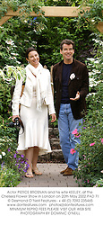Actor PIERCE BROSNAN and his wife KEELEY, at the Chelsea Flower Show in London on 20th May 2002.PAD 71