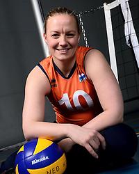 06-05-2014 NED: Selectie Nederlands zitvolleybal team vrouwen, Leersum<br /> In sporthal De Binder te Leersum werd het Nederlands team zitvolleybal seizoen 2014-2015 gepresenteerd / Fleur van Dam
